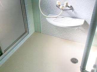 バスルームリフォーム 安全に入れる手すり付きのお風呂と、使いやすくて明るいキッチン