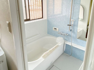 洗面リフォーム 冷たいタイルの在来浴室から暖かいユニットバスへ