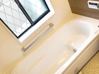 バスルームリフォーム バリアフリーのお風呂と、あわせてキレイにした洗面所&トイレ